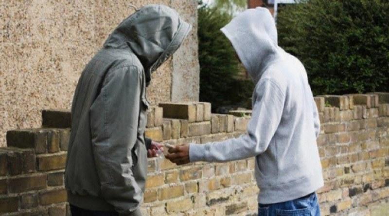 Двама в ареста в Пазарджик заради наркотици