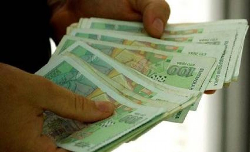 Минималната работна заплата става 650 лева от 1 януари 2021