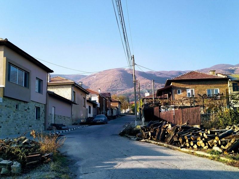 """Поезия и проза на село"