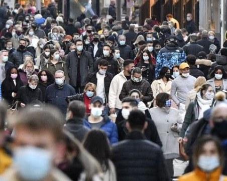 След рекордния брой починали в Германия: Мерките остават до януари