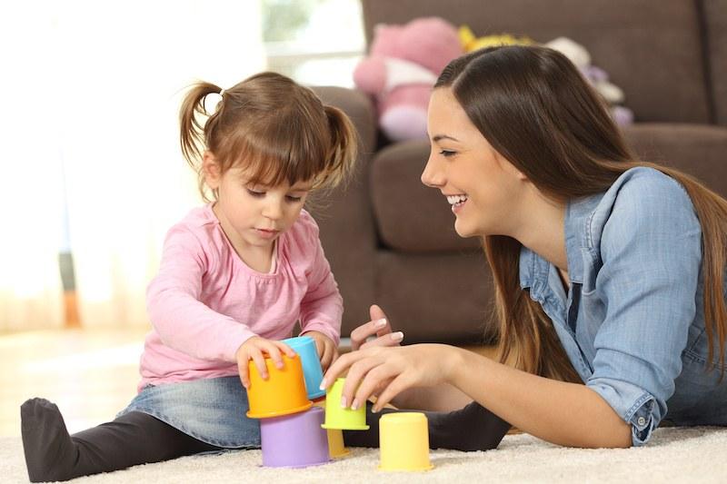 Над 5000 семейства с детегледачка по държавна програма