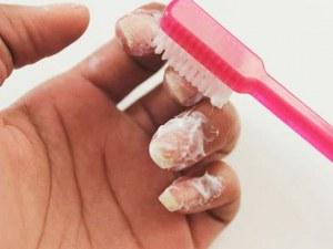 Невероятен бюти трик: Ето защо всеки търка ноктите си с... паста за зъби