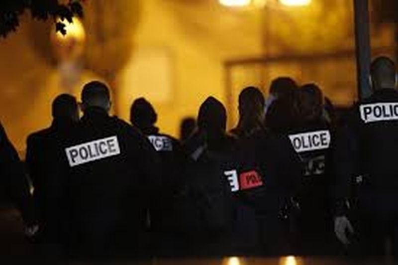 Отстраниха от работа френски полицаи след насилие срещу чернокож