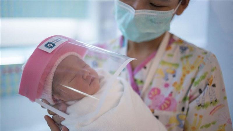 Бебе се роди с антитела срещу COVID-19 в Сингапур