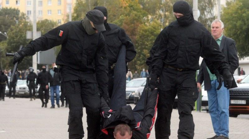 Протестите в Минск продължават! Десетки арестувани днес