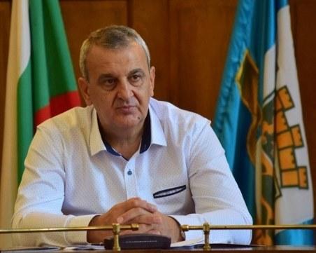 Изписват от болницата общинар номер 1 в  Пловдив след 11 дни лечение от COVID