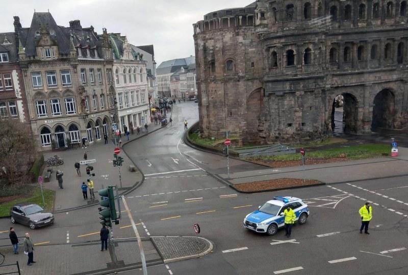 Шофьорът, който се вряза в пешеходци в Трир, го правил нарочно! Има загинали