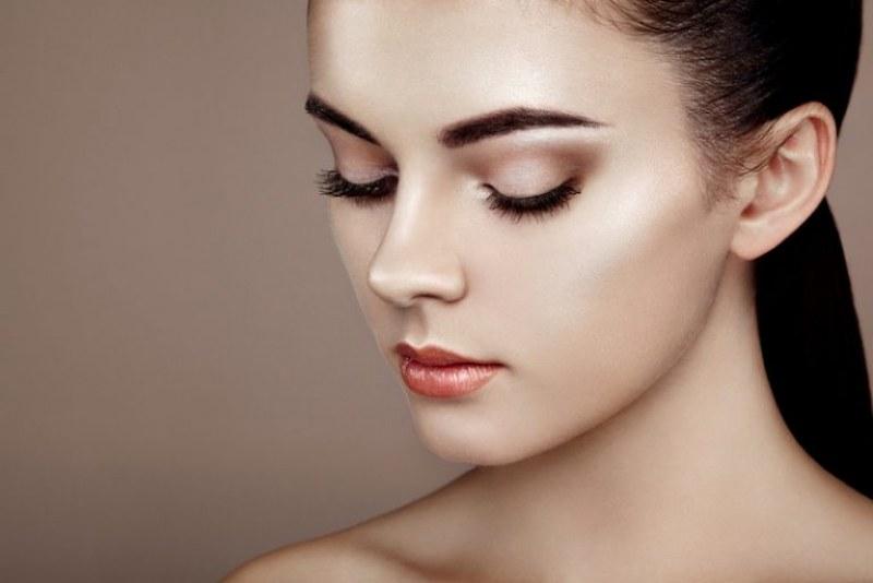 Как да избегнем ефекта на напуканата пудра върху кожата?