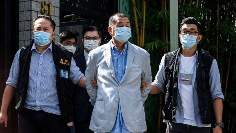 Хонконгският демократичен магнат Джими Лай е задържан за измама