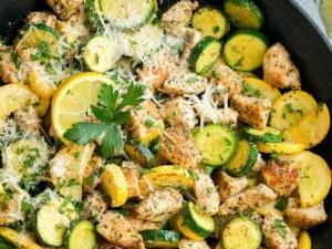 Рецепта на деня: Пиле със зеленчуци и розмарин