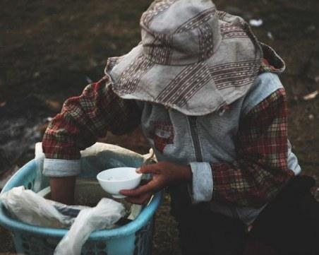 Заради пандемията: Броят на гладуващите по света е скочил двойно