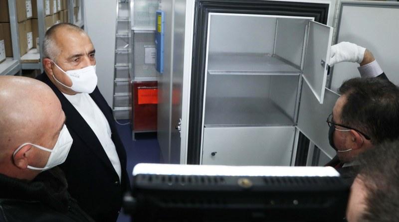 Мутафчийски: Хладилник за ваксини ще има и в Пловдив