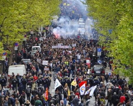 Сблъсъци в Париж! 95 души са в ареста, има ранени полицаи