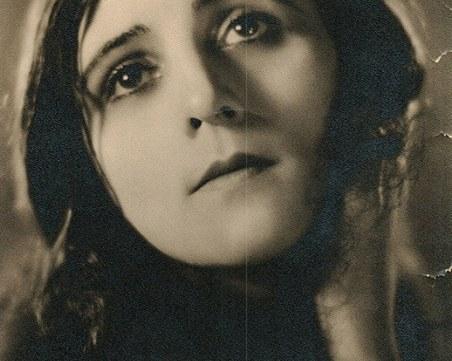 Мара Чуклева - красавицата от Пловдив, покорила Холивуд с таланта си