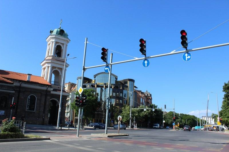 Частично ограничават движението по голям пловдивски булевард
