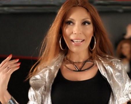 Бащата на певицата Нора Дончева почина дни след нея