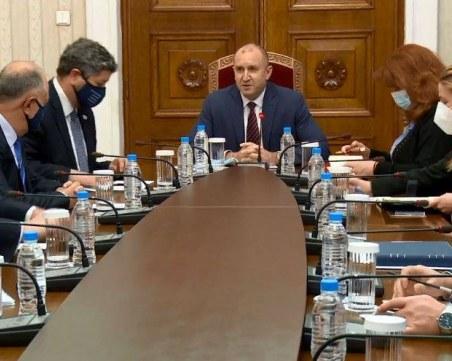ДБ и президента Радев поискаха  броенето на бюлетините да се излъчва на живо