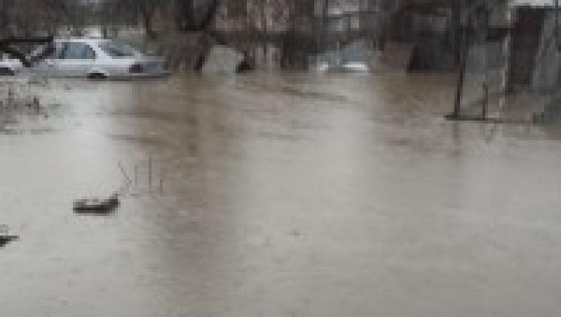 Бедствие край Своге! Залети са пътища и мостове, цялата община - без ток