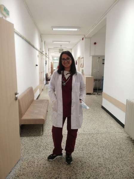 Красимира от Първомай – момиче от ромски произход, което ще стане лекар
