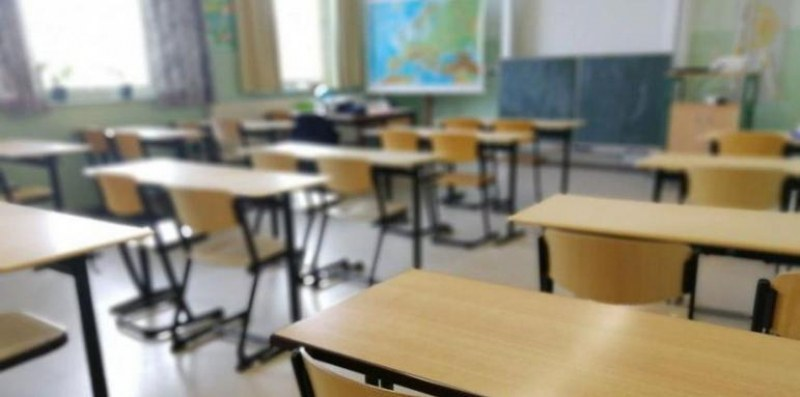 МОН ще финансира програми за студенти, които се подготвят за учители