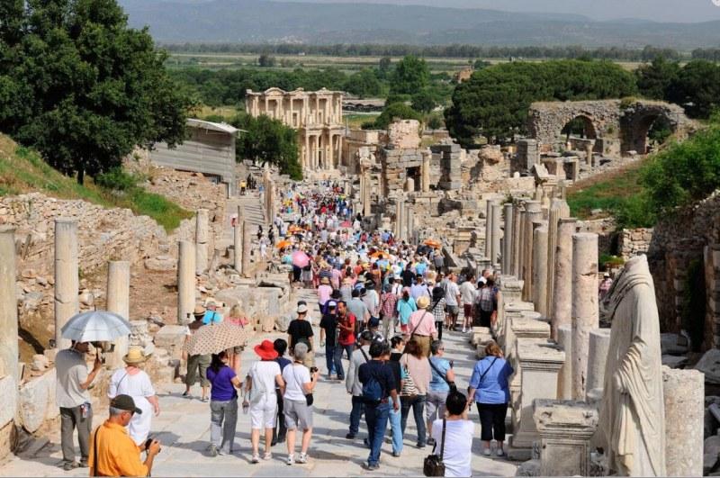 Турция с оптимизъм за туризма: Готвим се за новия сезон