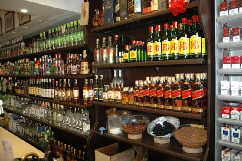 Близо тон алкохол без документи е открит при проверка на павилион в Казанлък