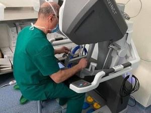 Направиха първите роботизирани операции със системата ДаВинчи Х в Пловдив