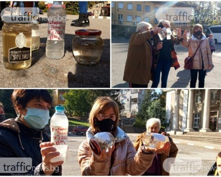 Протест в Брестовица! Водата продължава да е негодна за пиене