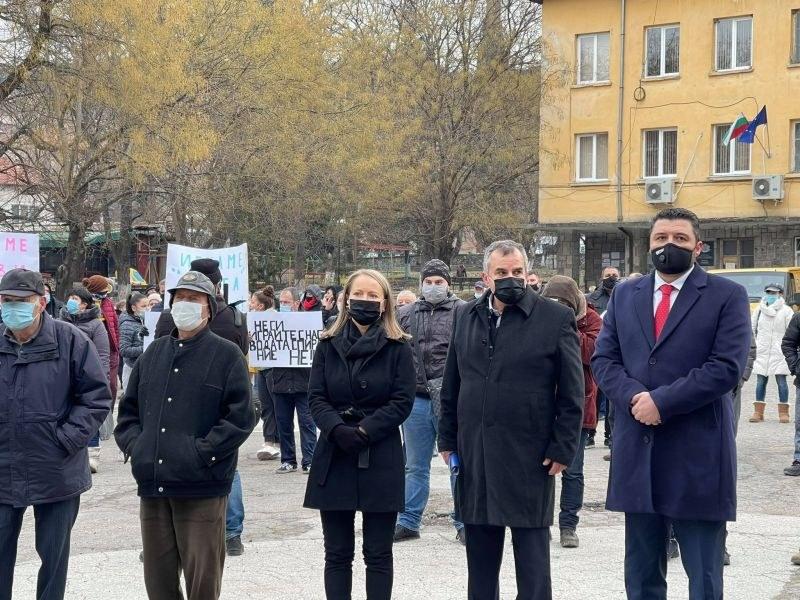 Каназирева: Държавата ще помогне за изграждането на нов водопровод в Брестовица