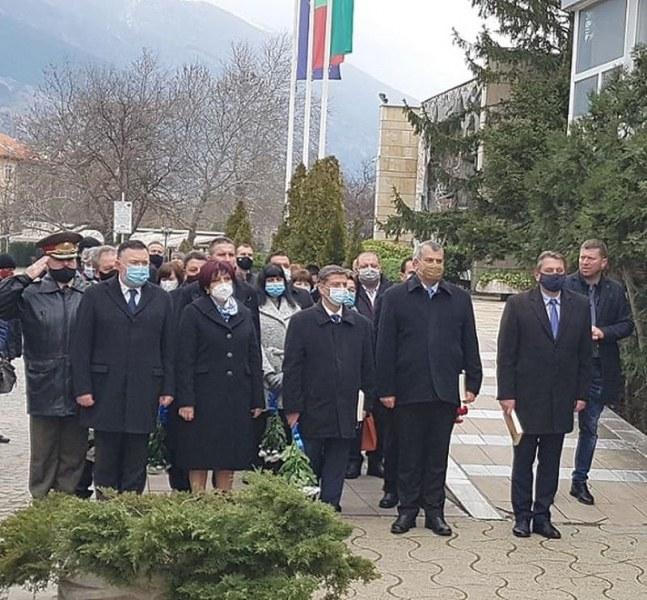 Цвета Караянчева на отбелязването на 143 г. Първи градски съвет в Карлово