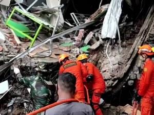 Над 56 са загиналите след земетресението в Индонезия