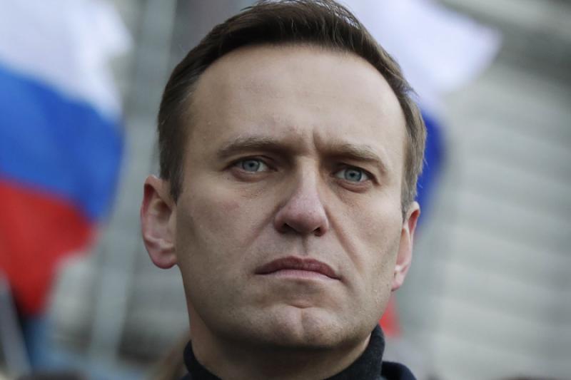 Задържаха Навални на летището в Москва