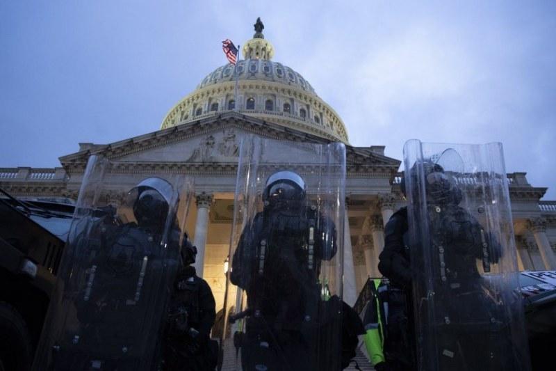 Евакуация в Капитолия след сигнал за опасност
