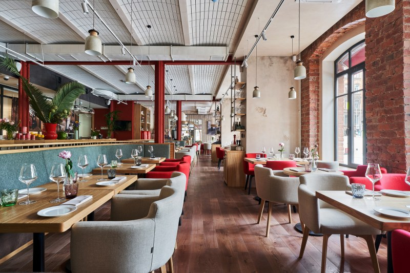 Предложение: Ресторантите да отворят при условията на тези в хотелите