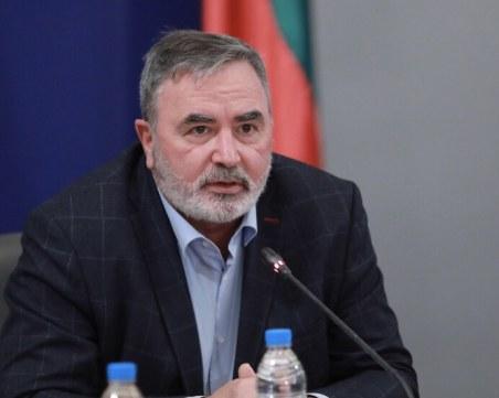 Доц. Кунчев след заканата на заведенията да отворят на 1 февруари: Надявам се да не го направят