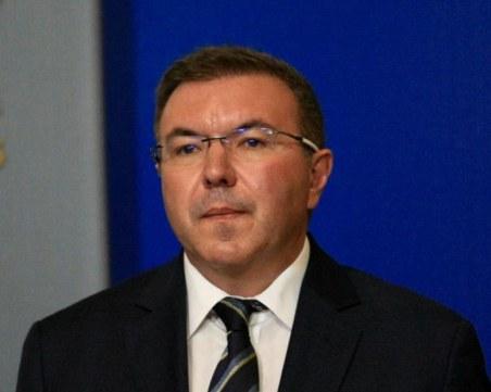 Министър Ангелов поряза ресторантьорите, ето кога предвижда отваряне на заведенията