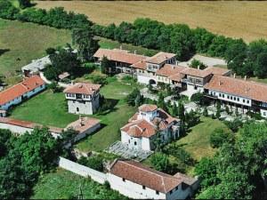 Двама обраха манастир край Асеновград