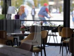 От утре ресторантите в Северна Македония ще работят до 21 часа