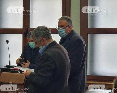 Свидетел: Д-р Димитров попита дали мога да изтрия записите от камерите, на тях той бе с пистолет