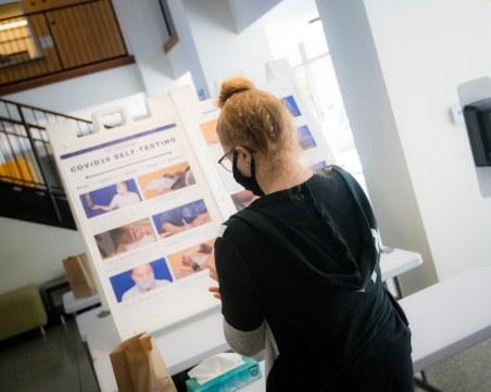 Университет тества студентите си за Covid-19 с вендинг автомати