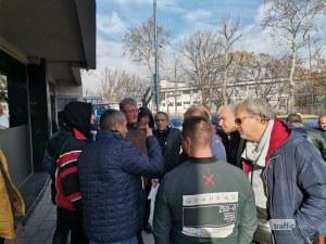 Над 400 таксиметрови шофьори в Пловдив остават без работа заради чиновническо безхаберие