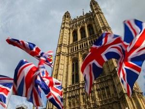 Великобритания обмисля пълно затваряне на границите си