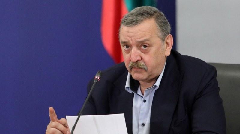 Кантарджиев посочи условията за отваряне на ресторантите, клубовете ще почакат
