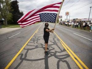 Америка е пред гражданска война, предупреждава милиардерът Далио