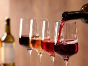 Какво и как ще пием през 2021? Нови навици и винени тенденции