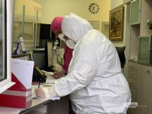 Лекар, три сестри и санитар сред новозаразените с COVID-19