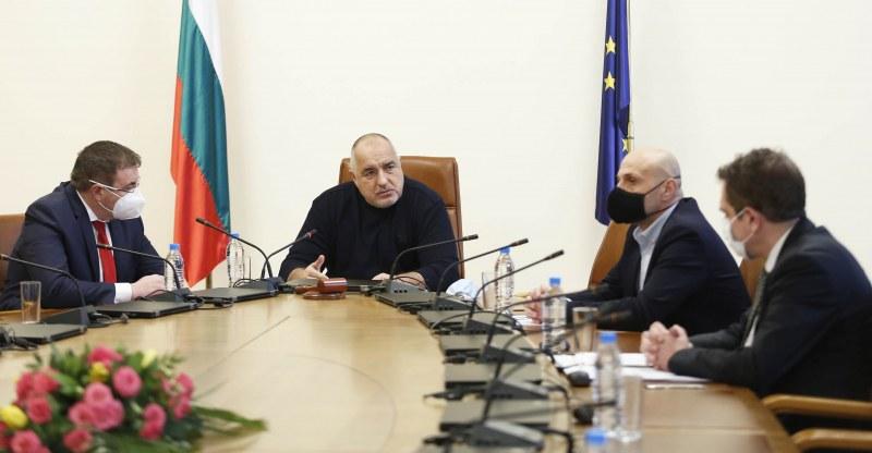 Борисов посочи два варианта за отварянето на заведенията, обсъждат кой да изберат