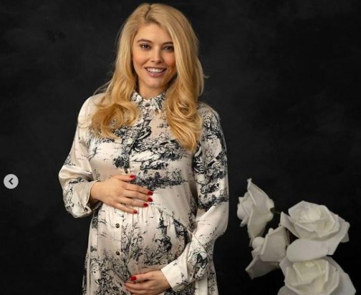 Ева Веселинова - все по-близо до срещата с близнаците
