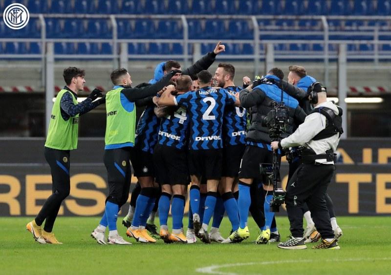 Интер отстрани Милан в драма за Купата