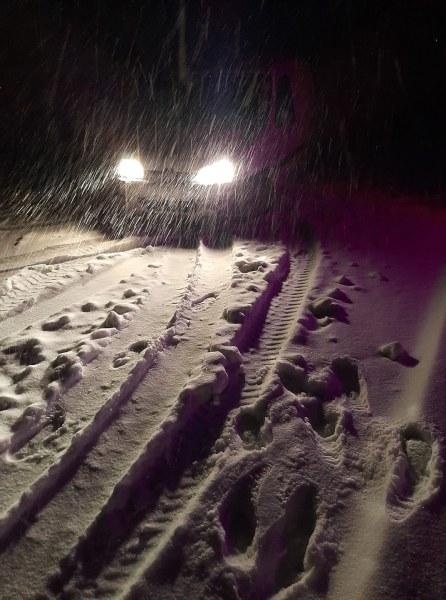 След снеговалежа: Каква е пътната обстановка в Пазарджик и Смолян?